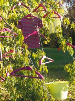 AMO coat hanger