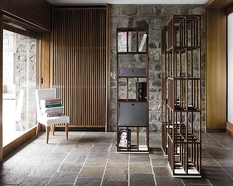 wood bookshelf Telar by Del Fabbro